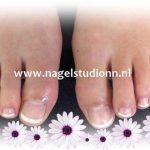 teennagels-vijlen-en-lakken-met-gellak-rench-manicure